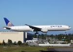 Bokuranさんが、ペインフィールド空港で撮影したユナイテッド航空 777-322/ERの航空フォト(写真)