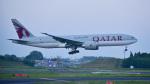 パンダさんが、成田国際空港で撮影したカタール航空 777-2DZ/LRの航空フォト(写真)