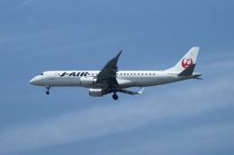 kij niigataさんが、新潟空港で撮影したジェイ・エア ERJ-190-100(ERJ-190STD)の航空フォト(写真)