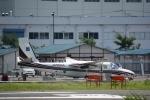 りゅうさんさんが、調布飛行場で撮影したアジア航測 695 Jetprop 980の航空フォト(写真)