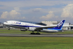 Gpapaさんが、伊丹空港で撮影した全日空 777-281の航空フォト(写真)