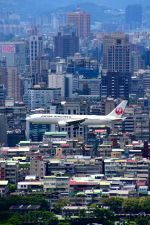 まいけるさんが、台北松山空港で撮影した日本航空 767-346/ERの航空フォト(写真)