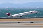 yabyanさんが、中部国際空港で撮影した日本航空 MD-81 (DC-9-81)の航空フォト(飛行機 写真・画像)