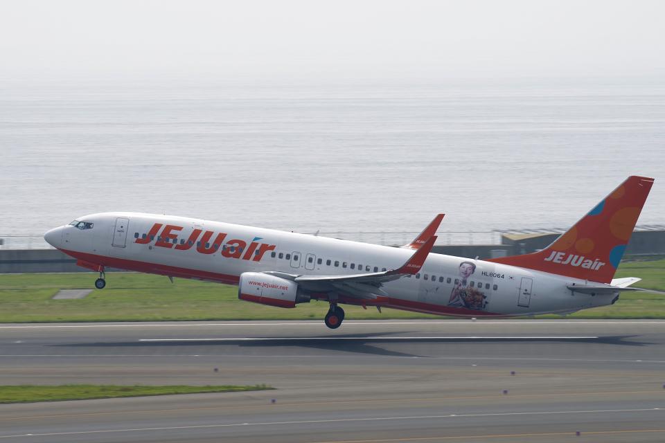 yabyanさんのチェジュ航空 Boeing 737-800 (HL8064) 航空フォト
