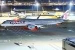 あしゅーさんが、羽田空港で撮影したカタール航空 A350-941XWBの航空フォト(写真)