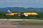 T.Sazenさんが、新千歳空港で撮影した全日空 777-281/ERの航空フォト(飛行機 写真・画像)