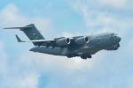 うめやしきさんが、厚木飛行場で撮影したアメリカ空軍 C-17A Globemaster IIIの航空フォト(写真)