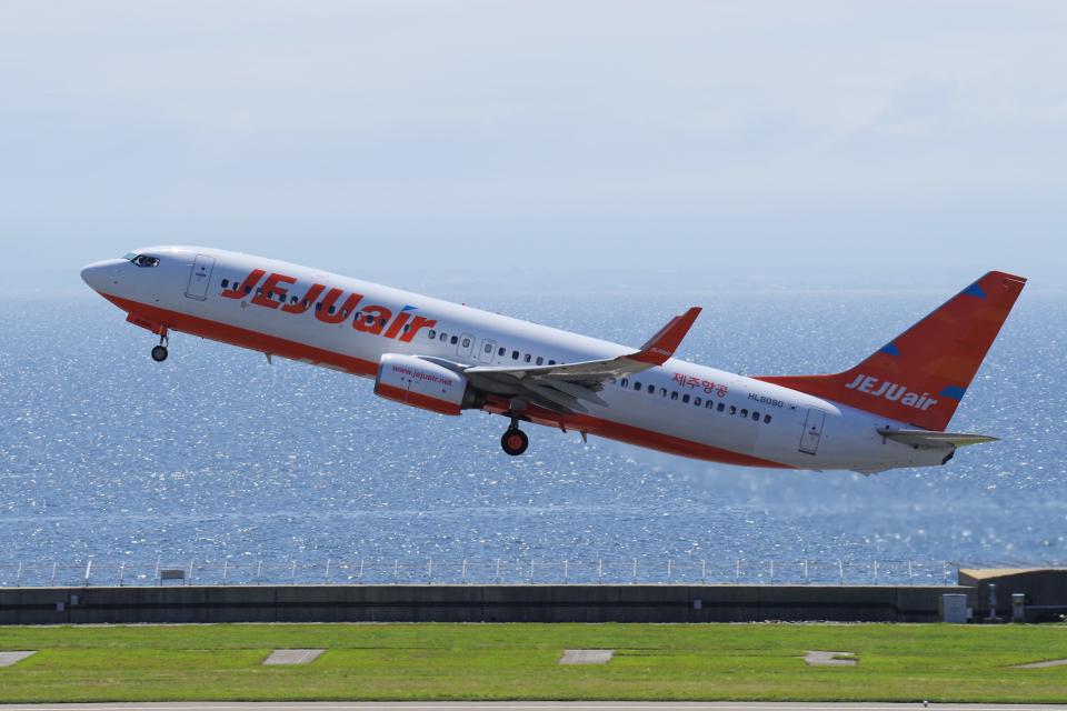 yabyanさんのチェジュ航空 Boeing 737-800 (HL8090) 航空フォト