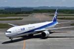 T.Sazenさんが、新千歳空港で撮影した全日空 777-381の航空フォト(飛行機 写真・画像)