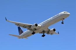 DREAMWINGさんが、ロサンゼルス国際空港で撮影したユナイテッド航空 757-324の航空フォト(飛行機 写真・画像)