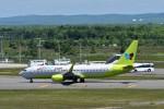 T.Sazenさんが、新千歳空港で撮影したジンエアー 737-8SHの航空フォト(飛行機 写真・画像)