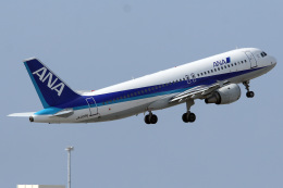 A-Chanさんが、那覇空港で撮影した全日空 A320-211の航空フォト(飛行機 写真・画像)
