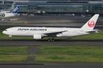 たみぃさんが、羽田空港で撮影した日本航空 777-246の航空フォト(写真)