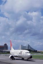 kumagorouさんが、石垣空港で撮影した日本トランスオーシャン航空 737-4Q3の航空フォト(写真)