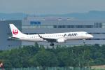 パンダさんが、新千歳空港で撮影したジェイ・エア ERJ-190-100(ERJ-190STD)の航空フォト(飛行機 写真・画像)