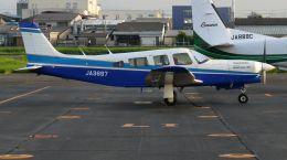 cathay451さんが、八尾空港で撮影した日本個人所有 PA-32R-301T Turbo Saratoga SPの航空フォト(飛行機 写真・画像)