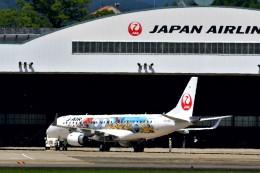 T.Sazenさんが、伊丹空港で撮影したジェイエア ERJ-190-100(ERJ-190STD)の航空フォト(飛行機 写真・画像)