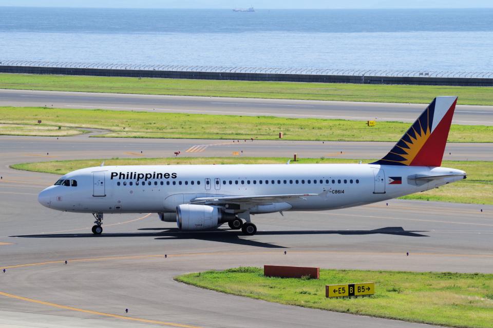 yabyanさんのフィリピン航空 Airbus A320 (RP-C8614) 航空フォト