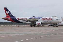 tyusonさんが、シェムリアップ国際空港で撮影したバッサカ・エア A320-214の航空フォト(飛行機 写真・画像)