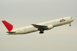 yabyanさんが、中部国際空港で撮影した日本航空 767-346の航空フォト(写真)