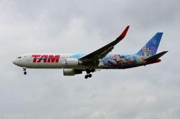 ちかぼーさんが、ロンドン・ヒースロー空港で撮影したラタム・エアラインズ・ブラジル 767-316/ERの航空フォト(飛行機 写真・画像)