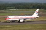 ATOMさんが、新千歳空港で撮影した中国東方航空 A320-214の航空フォト(飛行機 写真・画像)