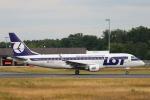 安芸あすかさんが、フランクフルト国際空港で撮影したLOTポーランド航空 ERJ-170-200 LR (ERJ-175LR)の航空フォト(写真)