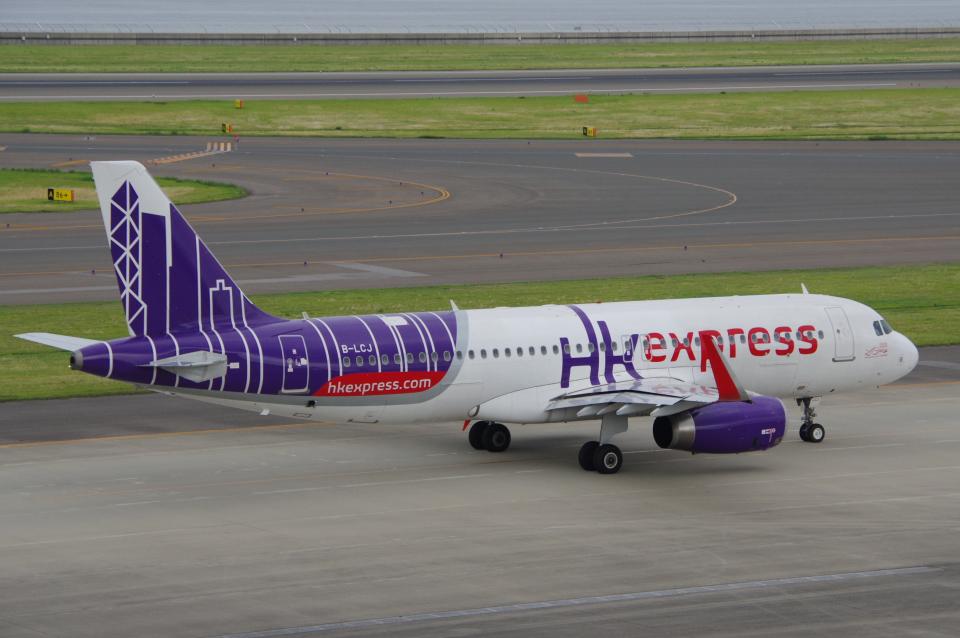 yabyanさんの香港エクスプレス Airbus A320 (B-LCJ) 航空フォト