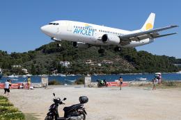 TRAVAIRさんが、スキアトス空港で撮影したアヴィオレット 737-3H9の航空フォト(飛行機 写真・画像)