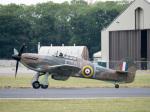 チャッピー・シミズさんが、フェアフォード空軍基地で撮影したイギリス空軍 Hurricane Mk2Cの航空フォト(写真)