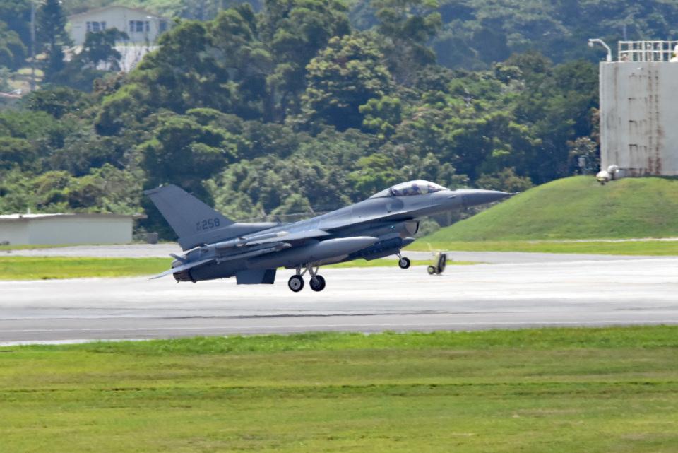 tsubasa0624さんのアメリカ空軍 General Dynamics F-16 Fighting Falcon (87-0258) 航空フォト