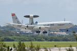 tsubasa0624さんが、嘉手納飛行場で撮影したアメリカ空軍 E-3B Sentry (707-300)の航空フォト(飛行機 写真・画像)