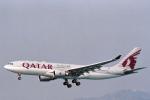 菊池 正人さんが、香港国際空港で撮影したカタール航空 A330-202の航空フォト(写真)