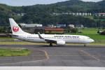 kumagorouさんが、出雲空港で撮影した日本航空 737-846の航空フォト(飛行機 写真・画像)