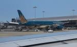 uhfxさんが、関西国際空港で撮影したベトナム航空 A350-941の航空フォト(飛行機 写真・画像)