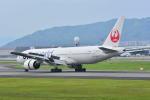 md11jbirdさんが、伊丹空港で撮影した日本航空 777-246の航空フォト(写真)