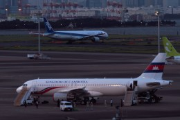 KORYO204さんが、羽田空港で撮影したカンボジア王国政府 A320の航空フォト(飛行機 写真・画像)
