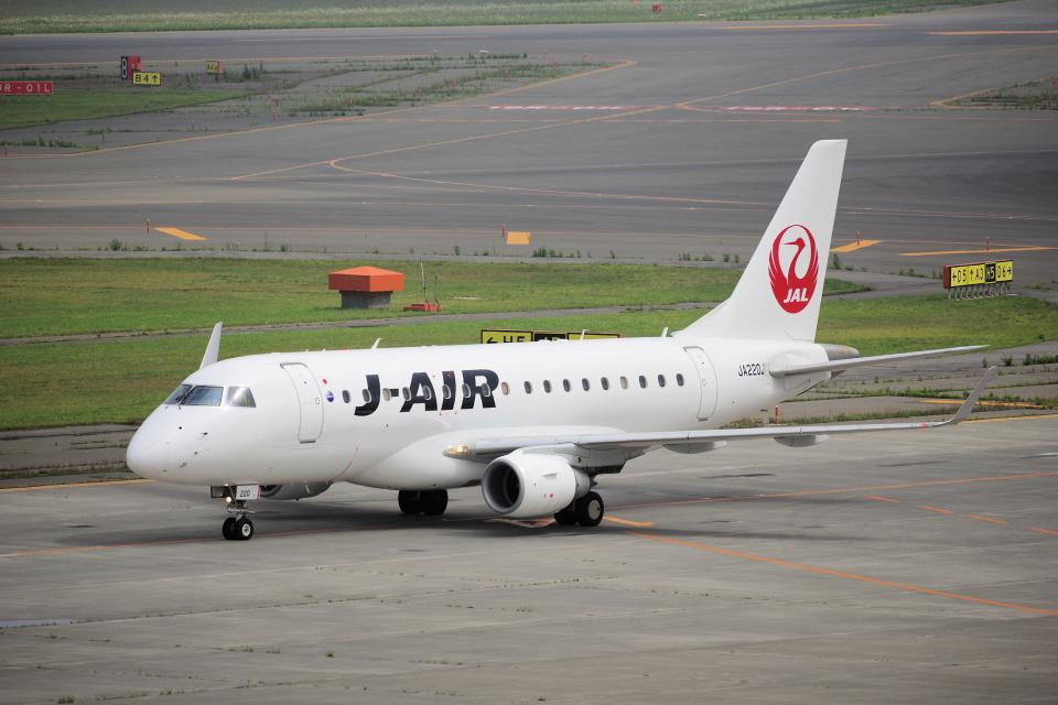 yabyanさんのジェイ・エア Embraer ERJ-170 (JA220J) 航空フォト