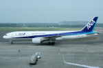 yabyanさんが、新千歳空港で撮影した全日空 777-281/ERの航空フォト(飛行機 写真・画像)