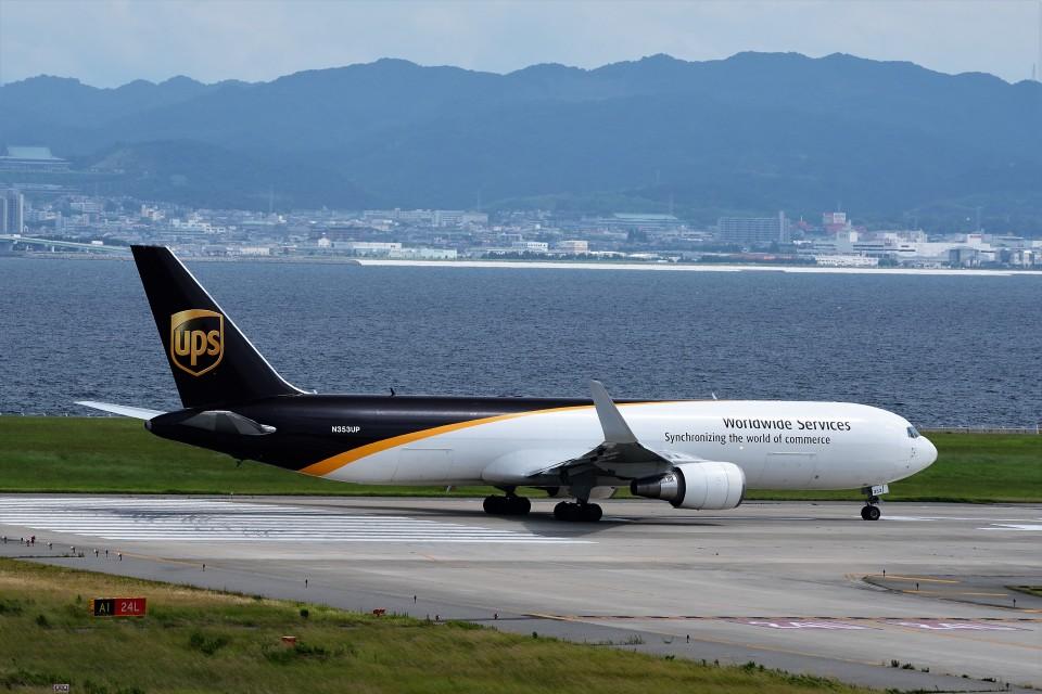 T.SazenさんのUPS航空 Boeing 767-300 (N353UP) 航空フォト
