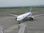 くまのんさんが、新千歳空港で撮影した全日空 777-381の航空フォト(写真)