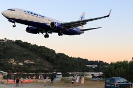 TRAVAIRさんが、スキアトス空港で撮影したブルー・エア 737-85Fの航空フォト(飛行機 写真・画像)