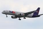 かみじょー。さんが、シンガポール・チャンギ国際空港で撮影したフェデックス・エクスプレス 757-236(SF)の航空フォト(写真)
