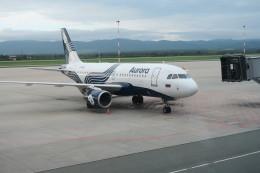 職業旅人さんが、ウラジオストク空港で撮影したオーロラ A319-111の航空フォト(飛行機 写真・画像)