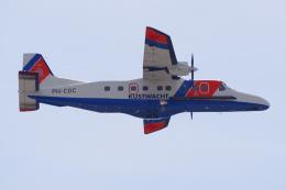 PASSENGERさんが、アムステルダム・スキポール国際空港で撮影したオランダ沿岸警備隊 228-212の航空フォト(飛行機 写真・画像)