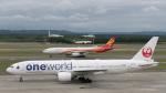 うみBOSEさんが、新千歳空港で撮影した日本航空 777-246の航空フォト(写真)