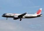 voyagerさんが、フランクフルト国際空港で撮影したエア・ベルリン A320-214の航空フォト(飛行機 写真・画像)