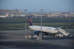 Blue Dreamさんが、羽田空港で撮影したデルタ航空 777-232/ERの航空フォト(写真)