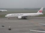くまのんさんが、新千歳空港で撮影した日本航空 777-289の航空フォト(写真)