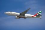 よしぱるさんが、香港国際空港で撮影したエミレーツ航空 777-F1Hの航空フォト(写真)